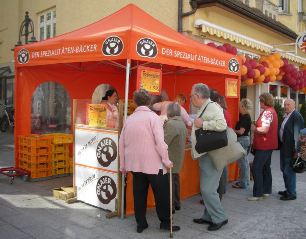 lambert-gmbh-goeppingen-faltzelte-zelte-marktzelte-gartenzelt-sonnenschutz-promotion-strassenverkauf