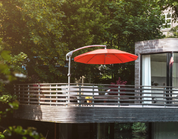lambert-gmbh-goeppingen-sonnenschirme-gartenschirme-aluminium-freiarmschirme-glatz-pendalex-terrasse