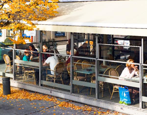 lambert-gmbh-goeppingen-sonnenschutz-windschutz-schiebefenster-katalog-gastronomie-terrasse