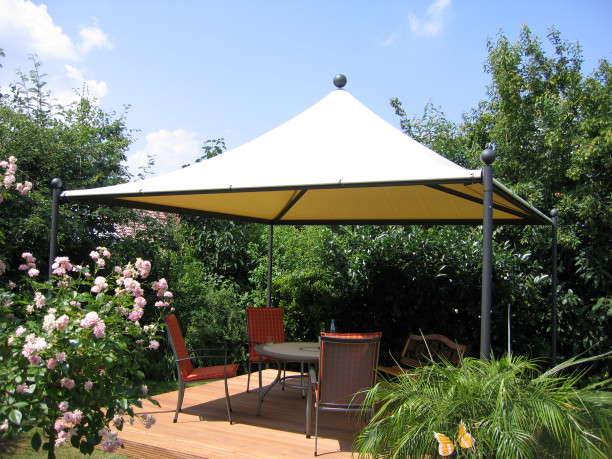 lambert-gmbh-goeppingen-pagode-stilo-zelte-sonnschutz-wetterschutz-gartenzelt-gastronomie-hotellerie